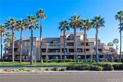 Huntington Beach Condo/Townhouse For Sale: 1200 Pacific Coast #121