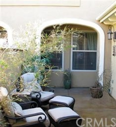 Irvine Condo/Townhouse Active Under Contract: 125 Chantilly #101