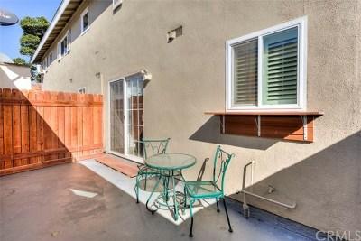 Huntington Beach Condo/Townhouse For Sale: 19846 Cambridge Lane