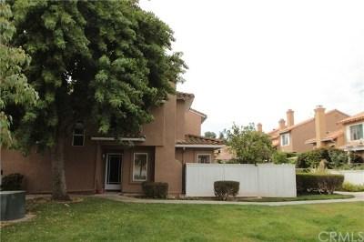 Mission Viejo Condo/Townhouse For Sale: 27459 Lilac Avenue