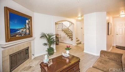 Huntington Beach Condo/Townhouse For Sale: 626 Lake Street #56