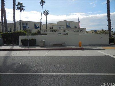Huntington Beach Condo/Townhouse For Sale: 711 Pacific Coast #301