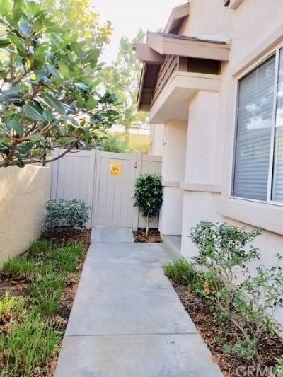 Orange Condo/Townhouse For Sale: 3521 E Berkshire Court #E