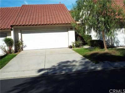 Orange Condo/Townhouse For Sale: 4633 E Via La Paloma #4