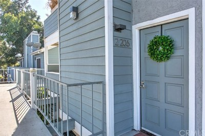 Huntington Beach Condo/Townhouse Active Under Contract: 16960 Algonquin Street #2-206