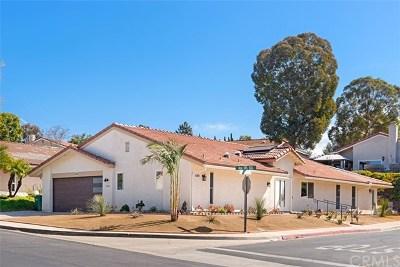 Laguna Woods Condo/Townhouse For Sale: 5269 Avenida Del Sol