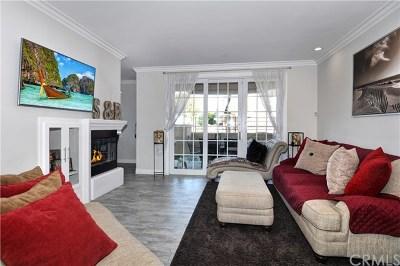 Huntington Beach Condo/Townhouse For Sale: 5142 Warner Avenue #107