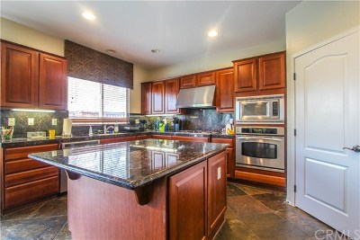 Murrieta Single Family Home For Sale: 30820 E Green Drive