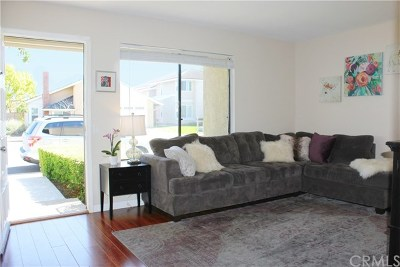 Irvine Condo/Townhouse For Sale: 47 Meadowgrass
