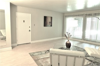 Long Beach Condo/Townhouse For Sale: 1139 E Ocean Blvd #106