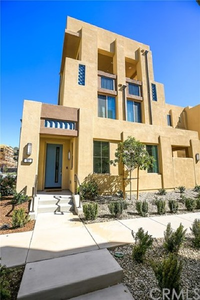 Irvine Condo/Townhouse For Sale: 187 Magnet