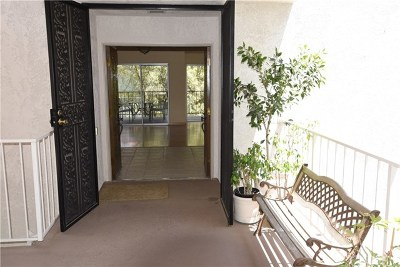 Laguna Woods Condo/Townhouse For Sale: 2389 Via Mariposa W #2D