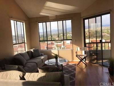 Mission Viejo CA Condo/Townhouse For Sale: $610,000
