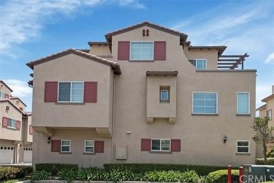 Huntington Beach Condo/Townhouse For Sale: 16861 Roosevelt Lane