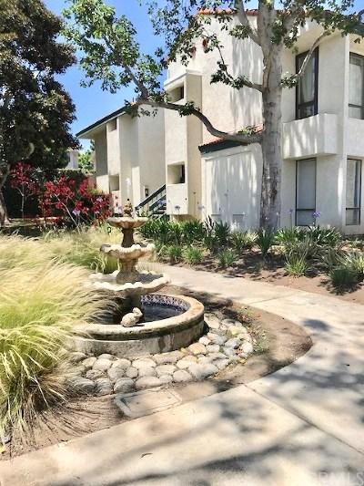 Huntington Beach Condo/Townhouse For Sale: 215 Wichita Avenue #206