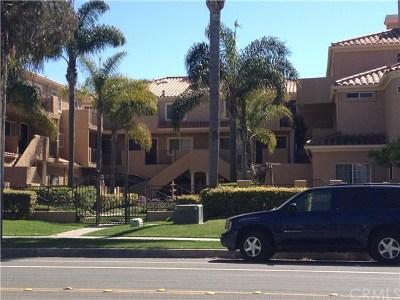 Huntington Beach Condo/Townhouse For Sale: 606 Lake Street #11