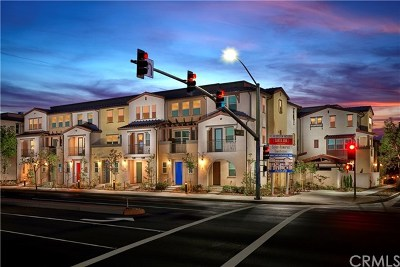 Santa Ana CA Condo/Townhouse For Sale: $447,200