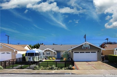Huntington Beach Single Family Home For Sale: 8282 Friesland Dr