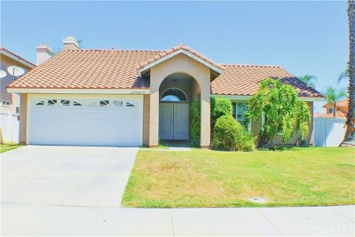 Menifee Single Family Home For Sale: 29942 Corte Cruzada