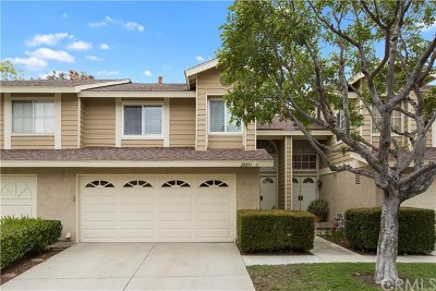 Lake Forest Condo/Townhouse For Sale: 20851 Heatherview