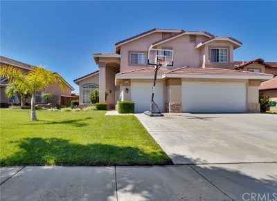 Corona Single Family Home For Sale: 835 Crestmont Circle
