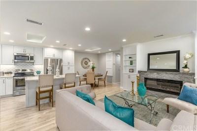 Laguna Woods Condo/Townhouse For Sale: 2277 Via Mariposa W #P