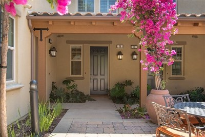Irvine Condo/Townhouse For Sale: 76 Full Moon