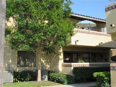 Fountain Valley Condo/Townhouse For Sale: 17333 Brookhurst Street #B4