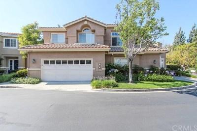 Yorba Linda Condo/Townhouse For Sale: 5540 Patricia Way