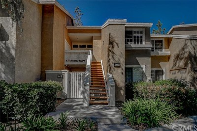 Irvine Condo/Townhouse For Sale: 73 Woodleaf