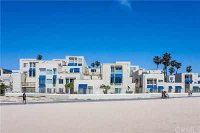 Condo/Townhouse For Sale: 711 Pacific Coast #313