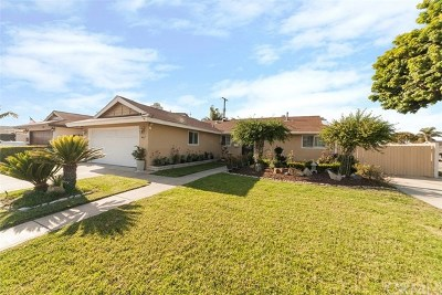 Huntington Beach Single Family Home For Sale: 8931 Breakers Drive