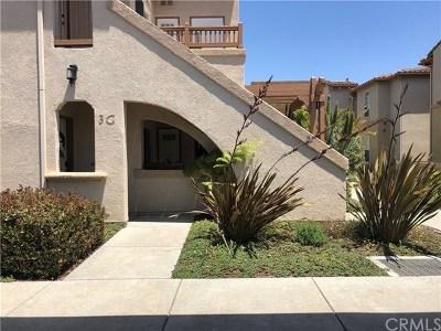Santa Maria CA Condo/Townhouse Active Under Contract: $287,900