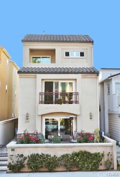 Huntington Beach CA Single Family Home For Sale: $1,549,000