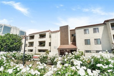 Santa Ana Condo/Townhouse For Sale: 600 W 3rd Street #A112