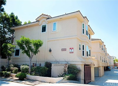 Costa Mesa Condo/Townhouse For Sale: 377 Avocado Street #B