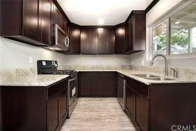 Santa Ana Condo/Townhouse For Sale: 2101 S Pacific Avenue #64