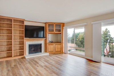 Laguna Woods Condo/Townhouse For Sale: 3368 Punta Alta