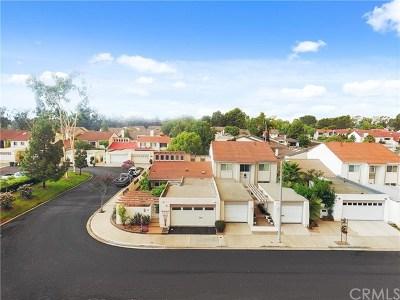 Irvine Single Family Home For Sale: 10 Yellowwood Way