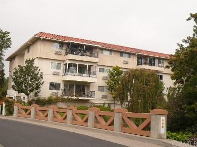 Laguna Woods Condo/Townhouse For Sale: 2395 Via Mariposa W #2G