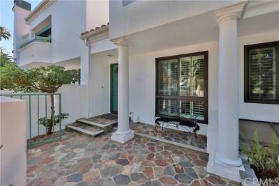 Huntington Beach Condo/Townhouse For Sale: 7492 Seabluff Drive #110