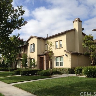 Tustin Condo/Townhouse For Sale: 3315 Crescent Way