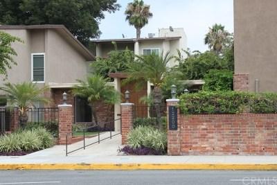 Seal Beach Condo/Townhouse For Sale: 12200 Montecito Road #D113