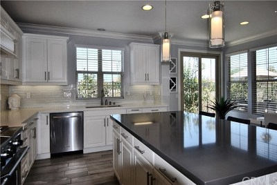 Huntington Beach Condo/Townhouse For Sale: 21391 Abigail Ln