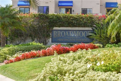 Huntington Beach Condo/Townhouse For Sale: 16531 Tropez Lane #152