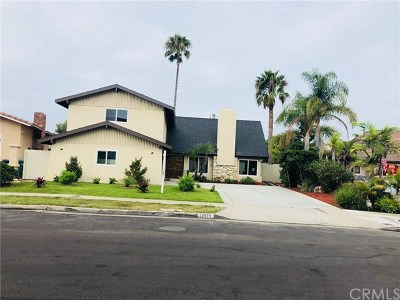 Huntington Beach Single Family Home For Sale: 16979 Roundhill Drive