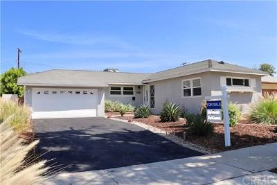 Winnetka Single Family Home For Sale: 7032 Cozycroft Avenue