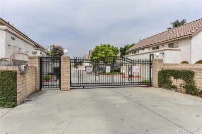 Pomona Condo/Townhouse For Sale: 1365 S Park Avenue #B