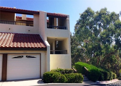 Mission Viejo Condo/Townhouse For Sale: 27957 Redondela #202