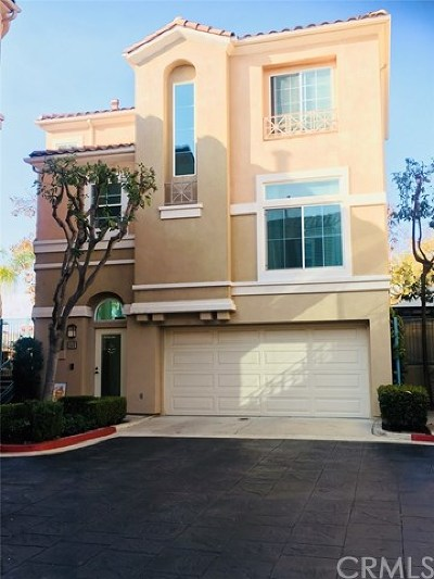 Rancho Santa Margarita Condo/Townhouse For Sale: 243 Montana Del Lago Drive